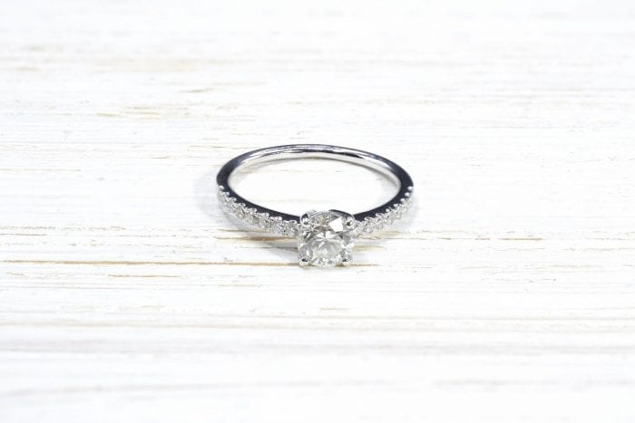 solitaire diamonds ring