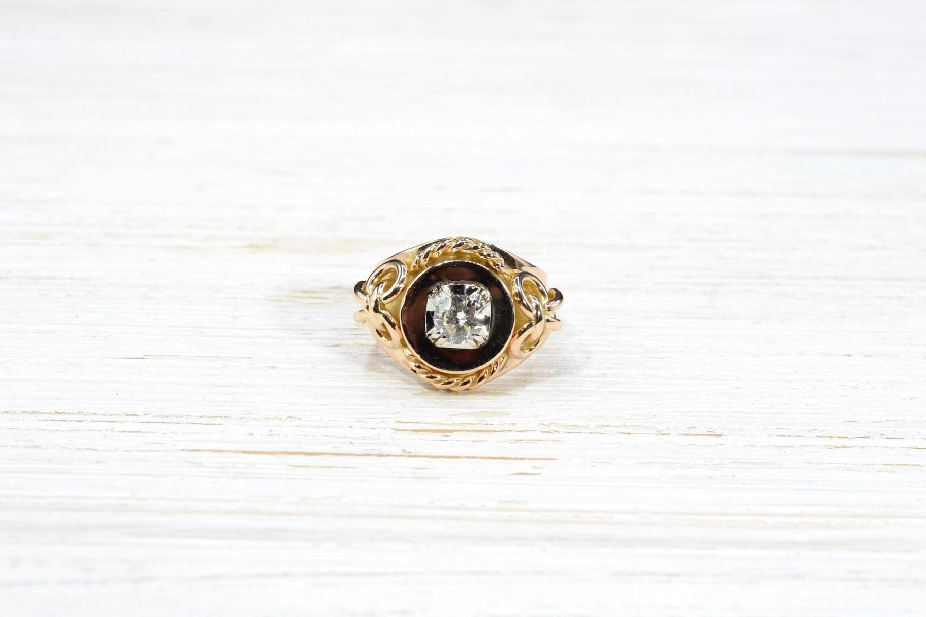 Antique gold diamond ring