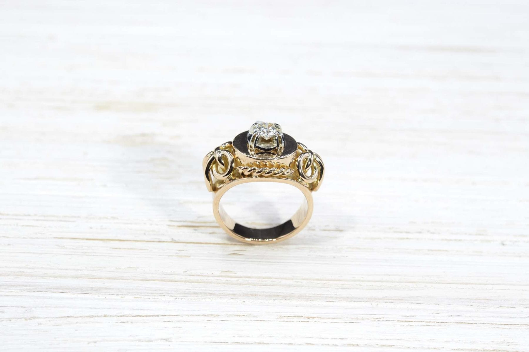 vintage gold diamonds ring