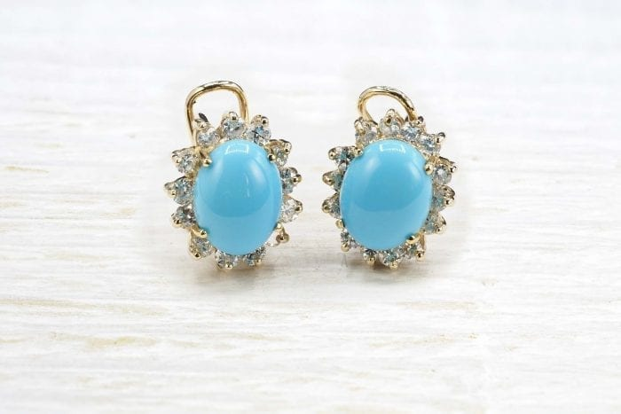 Turquoise and diamond earrings in 18k yellow gold