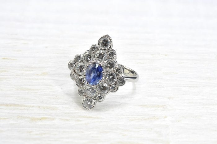 Sapphire and diamonds ring in 18k white gold