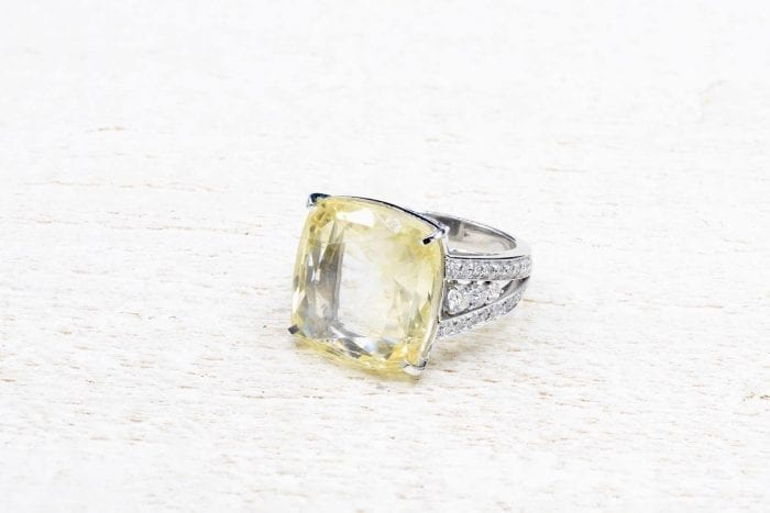 18k white gold diamonds ring with yellow sapphire