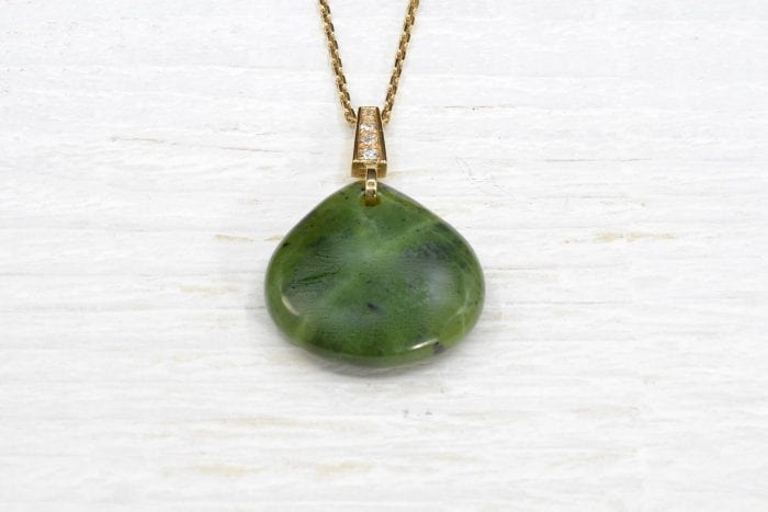 Necklace and pendant jadeite and diamonds