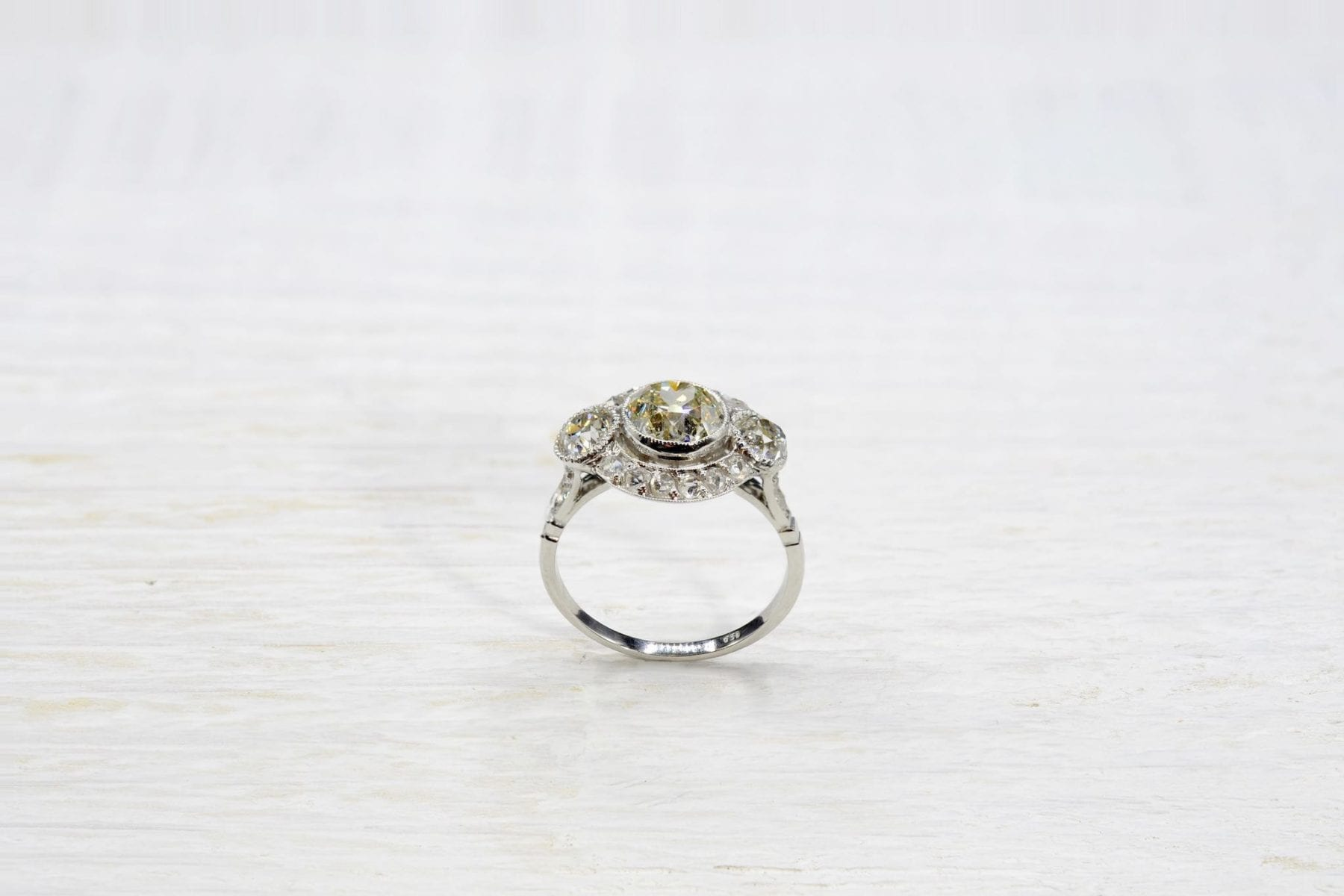 antique diampnd ring in platinum