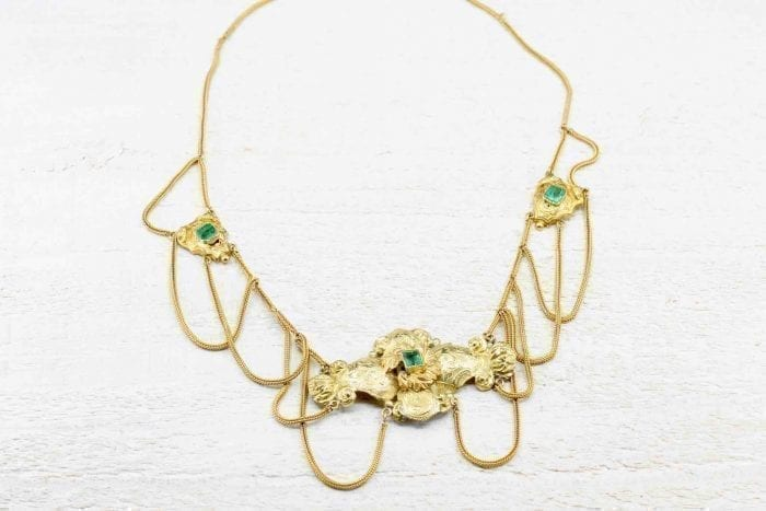 19th century emerald necklace in 18k yellow gold