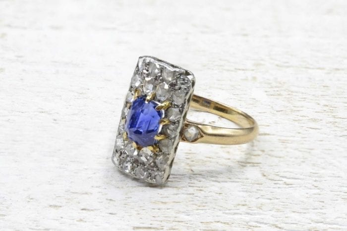 1900´s  Sapphire and diamonds ring in 18k yellow gold