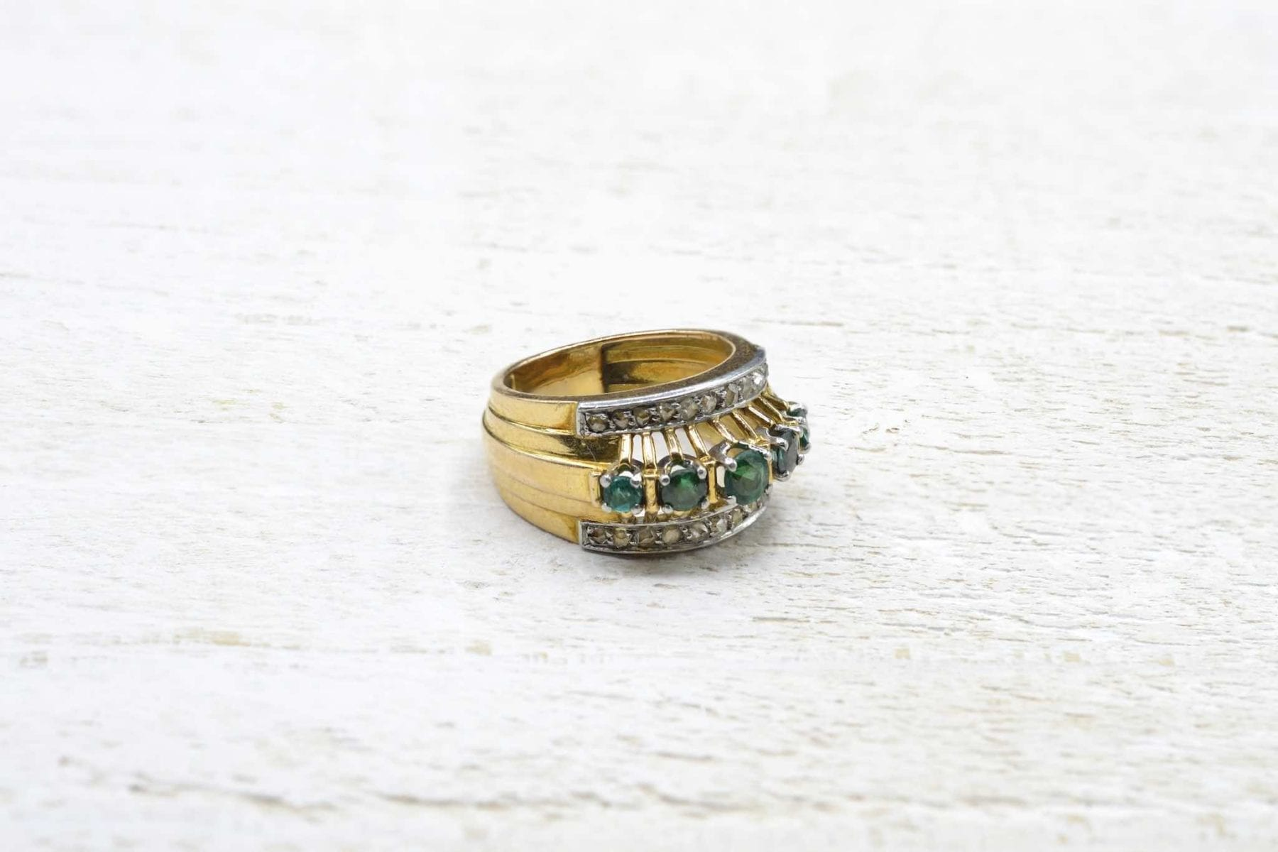 antique emerald and diamonds ring in 18k gold