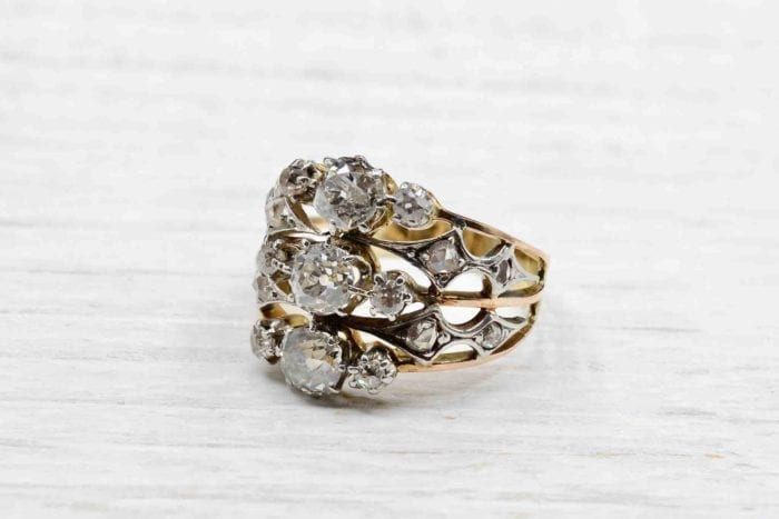 1900's Ring with platinum diamonds and 18k yellow gold