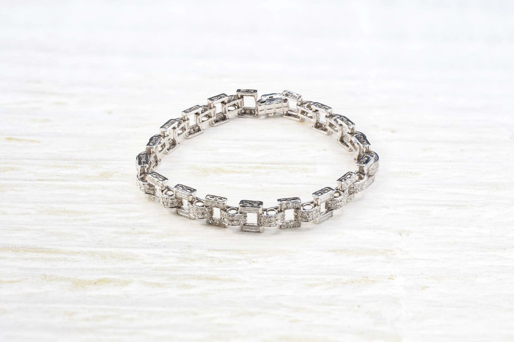 Platinum diamonds bracelet