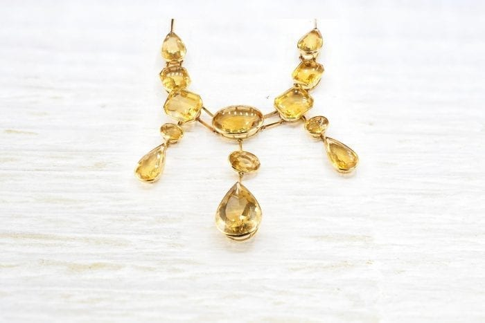 Citrine necklace in 18k yellow gold