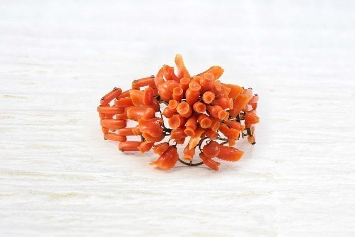 14 yellow gold and coral bracelet