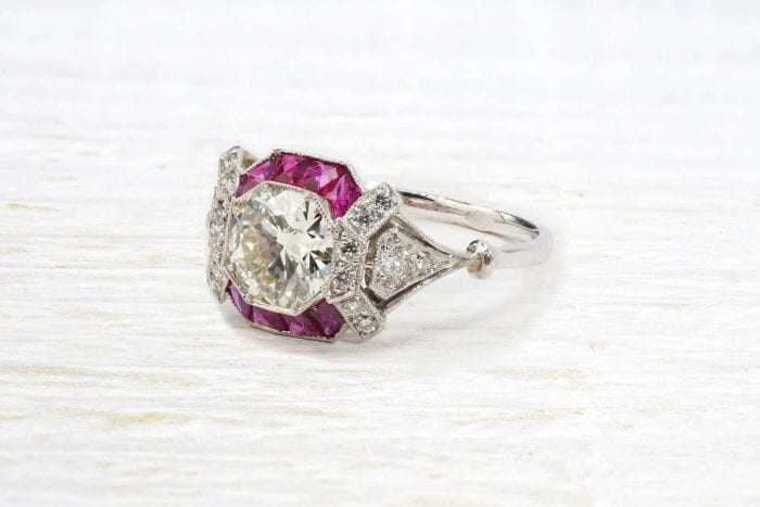 Art Déco ring with diamonds and rubies in platinum