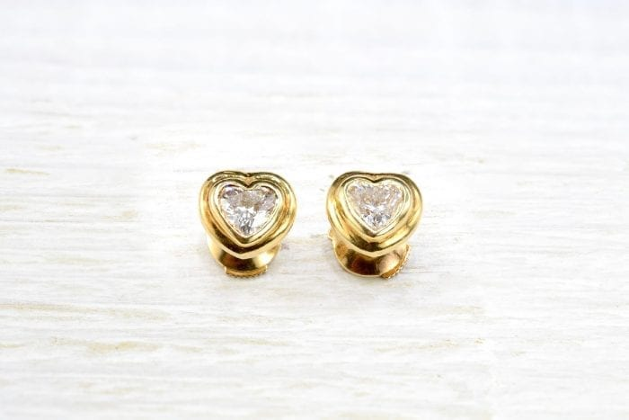 Heart shaped diamonds earrings