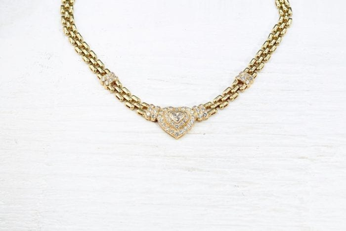 Heart-shaped diamonds necklace