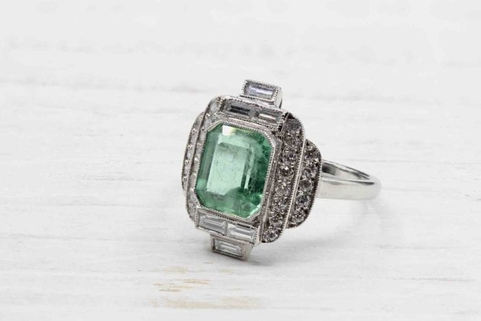 Art Deco emerald ring with platinum diamonds