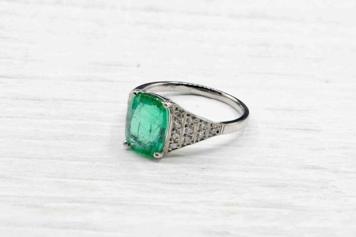 Emerald ring with platinum and diamonds