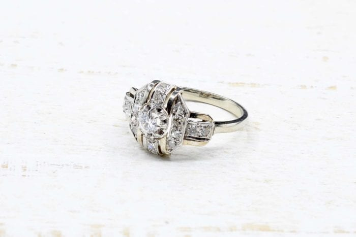 Art Déco diamonds ring in 18k white gold and platinum