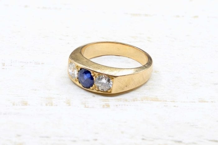 18K yellow gold sapphire and diamond trilogy ring