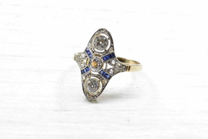 Art Deco sapphires and diamonds rings in 18k yellow gold