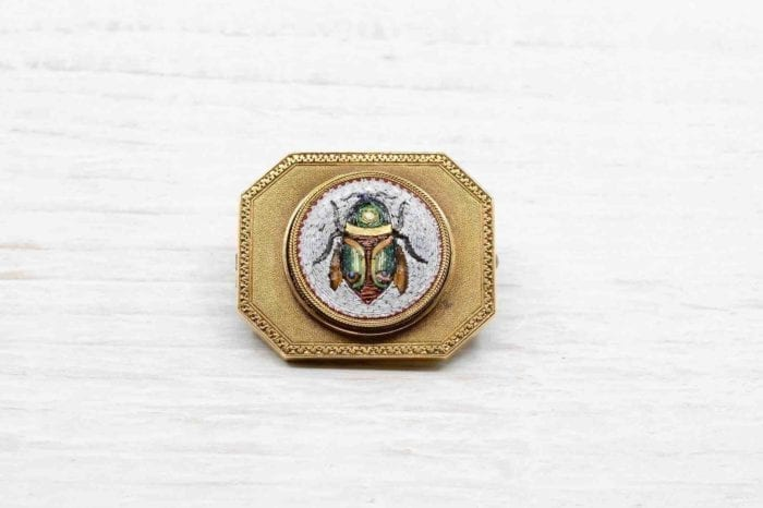 Micro-mosaic brooch in 18k yellow gold