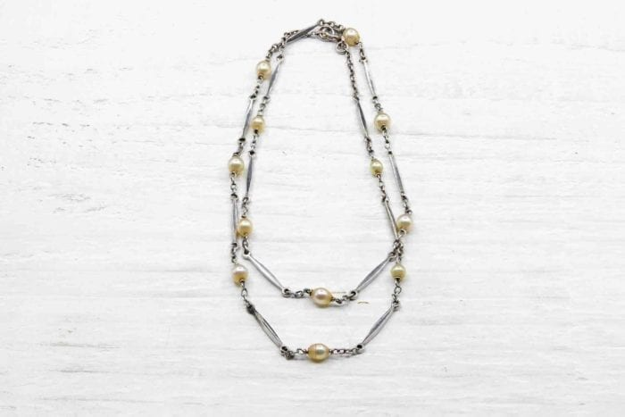 Antique chain in platinum with fine pearls