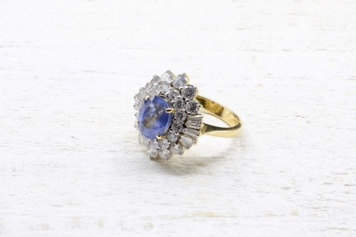 18k yellow gold diamonds and sapphire ring