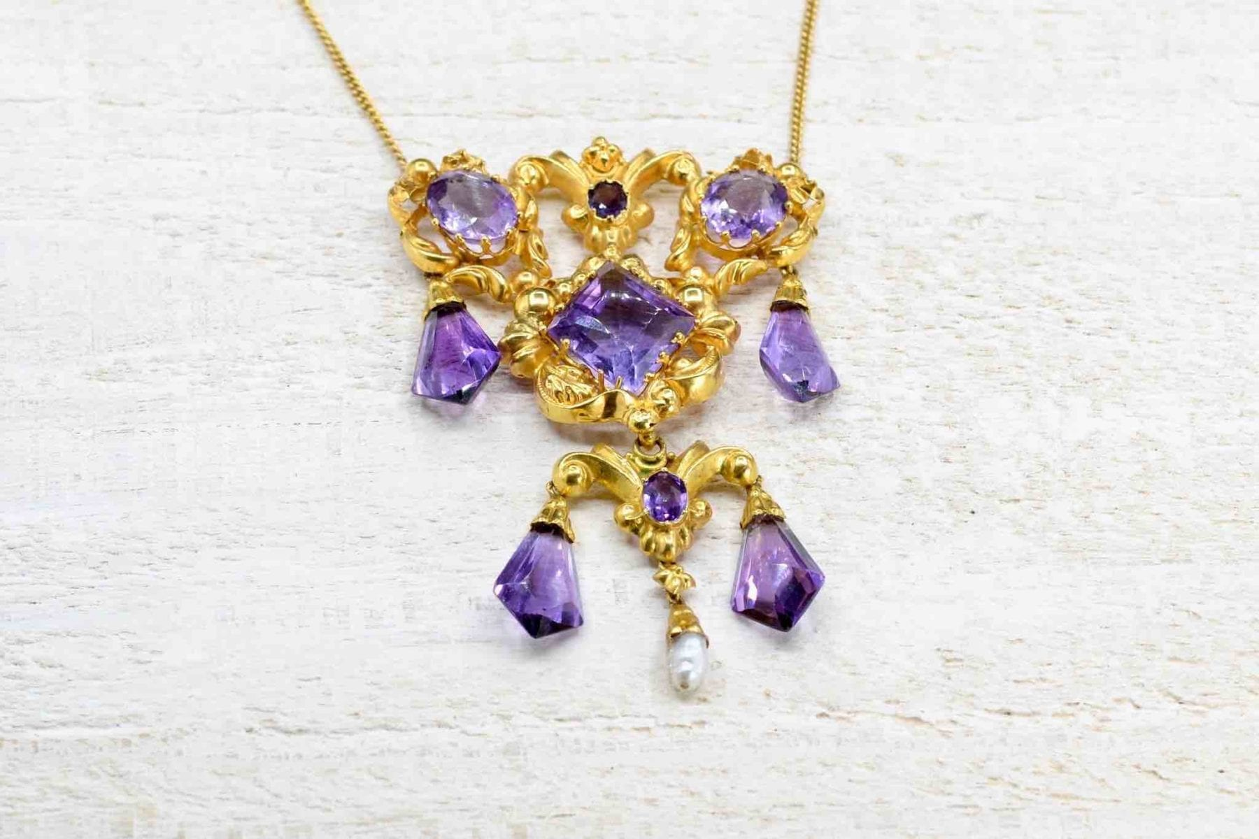 amethyst necklace in 18k gold