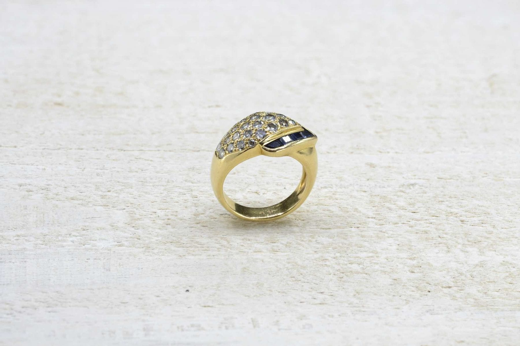 Vintage sapphire ring
