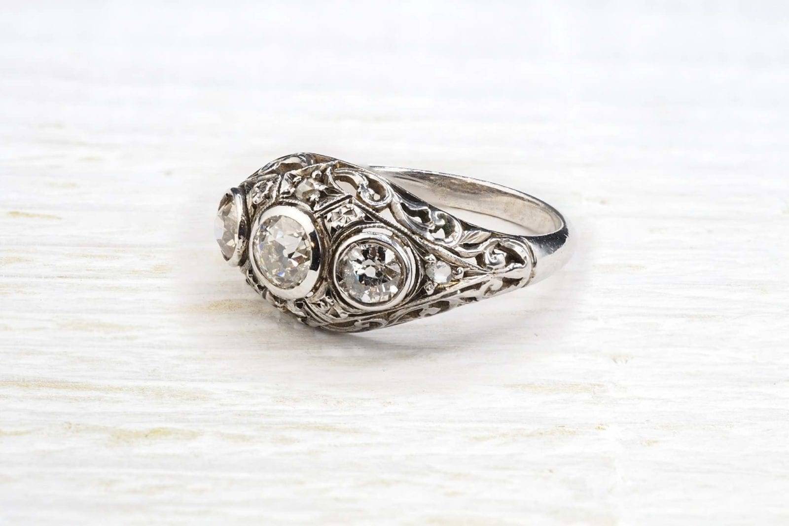 vintage trilogy diamonds ring