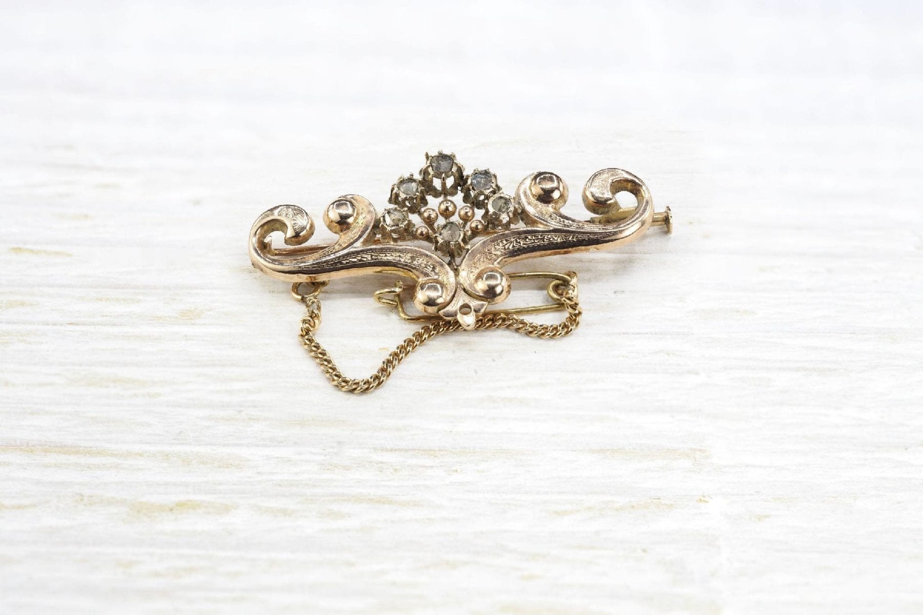 19th brooch in gold with diamonds