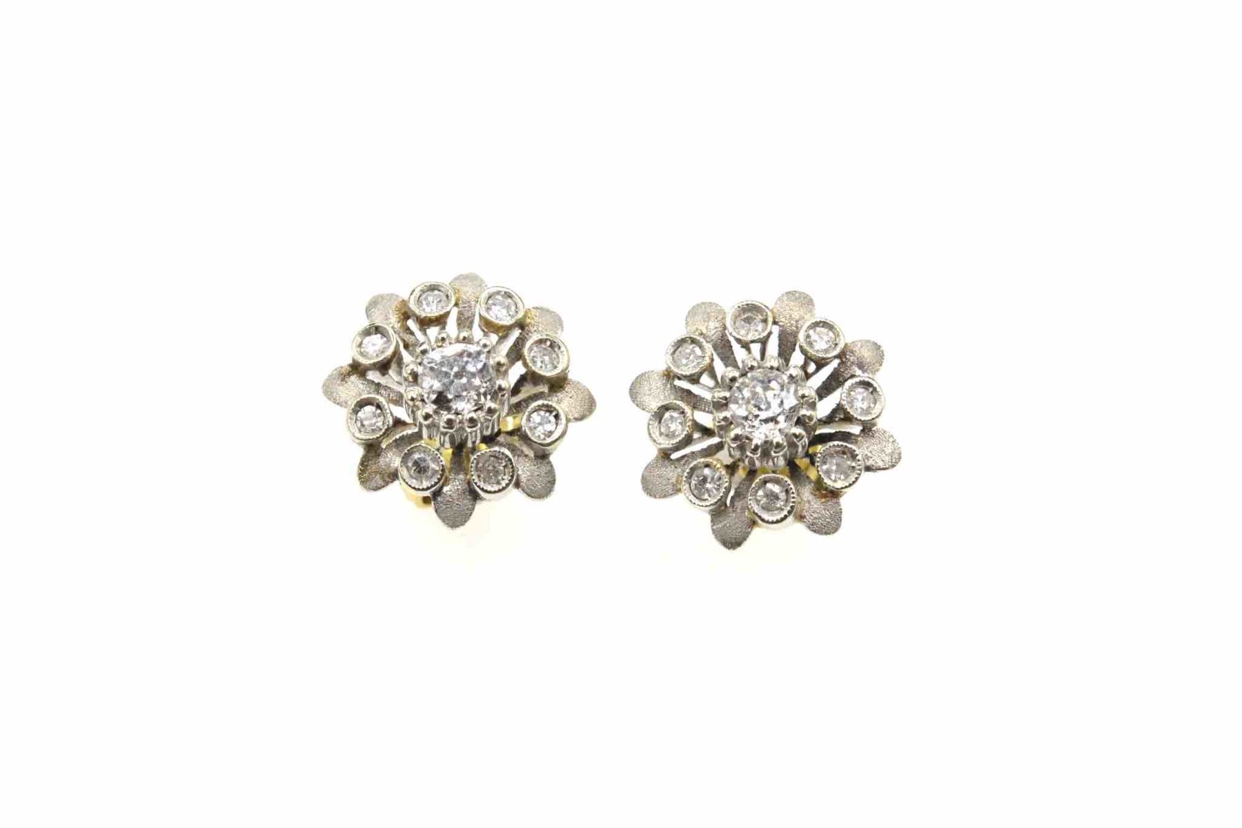 Boucles d 'oreilles diamants en or blanc