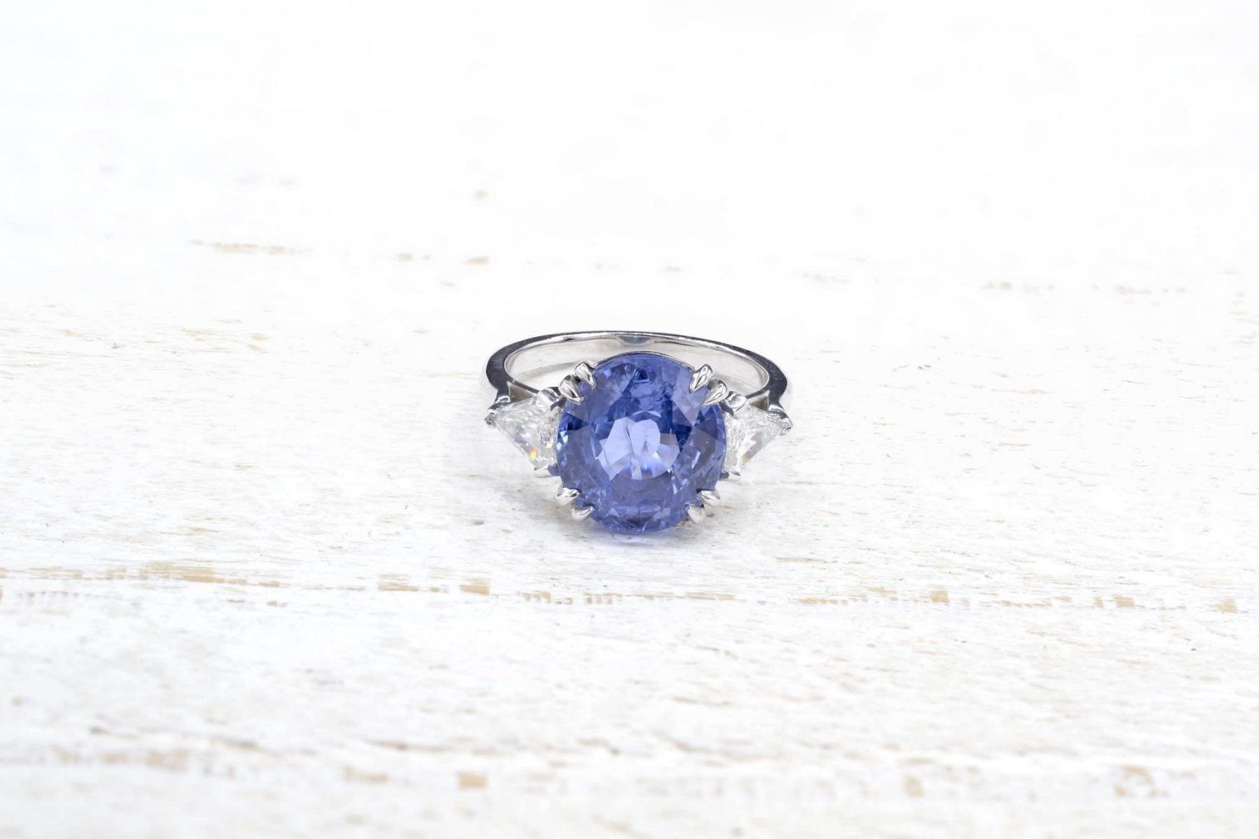engagement sapphire ring with diamonds